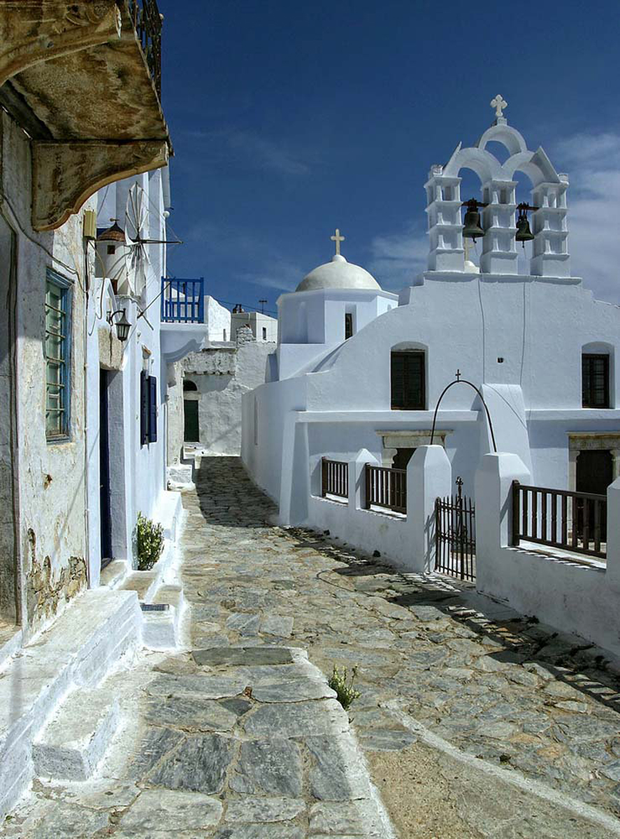 Old beautiful traditional house in chora the capital of amorgos island -  Whitewashed Houses Charming Squares And A Lot Of Beautiful Churches You Also Have A Large Selection Of Nice And Cosy Taverns Caf And Shops